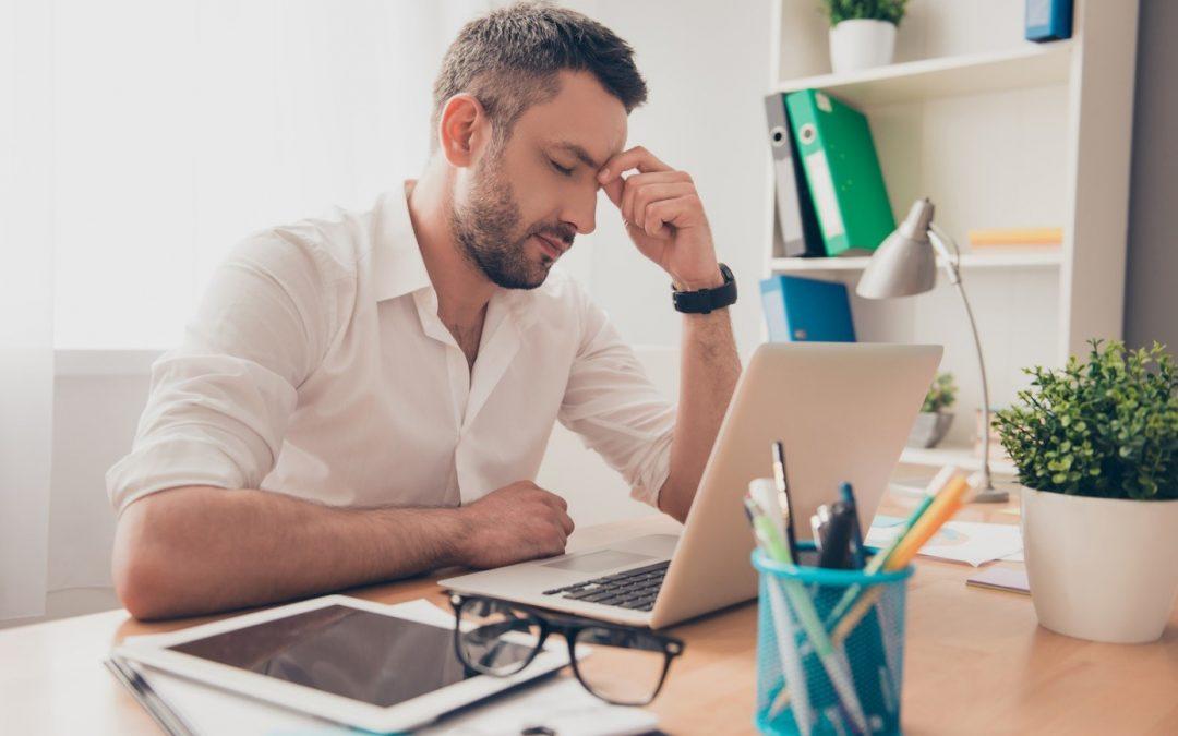 Как да оцелеете на работно място, причиняващо ниска емоционална интелигентност.